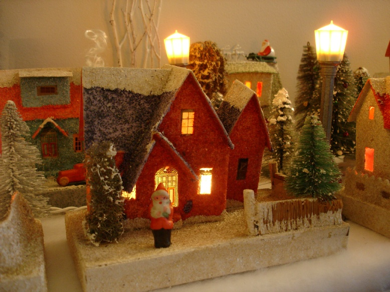 Detailed Christmas House Picture(200K)