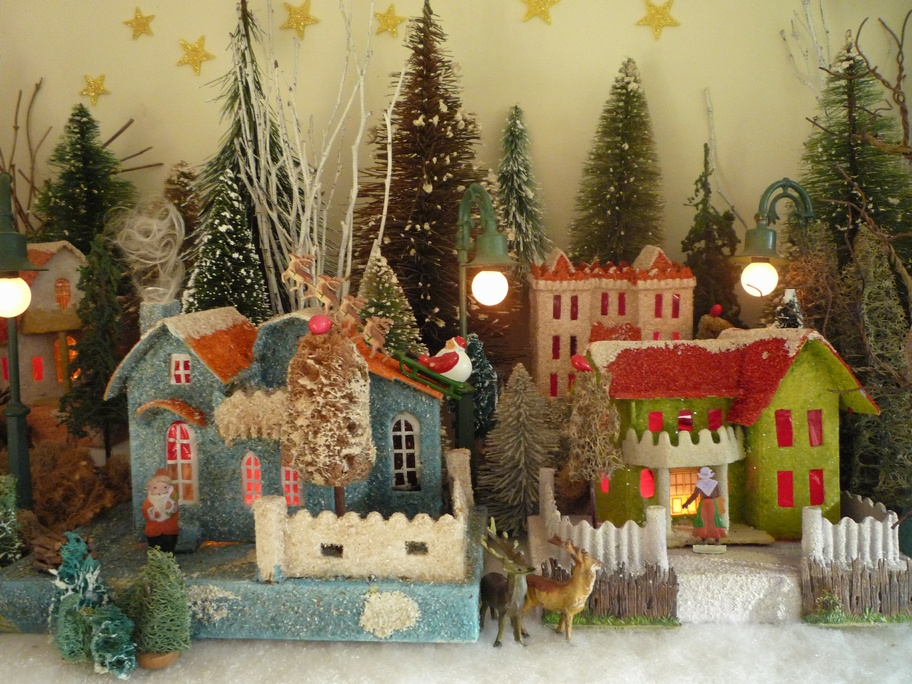 Antique Cardboard Christmas House (300K)